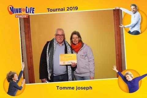 Audax Tournai représenté par son Président à Viva For Life à Tournai en décembre 2019.